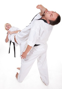 This site offers free video & written instructions that cover the Taekwondo  basics (i.e. stances and blocks) as well advanced martial arts techniques  ...